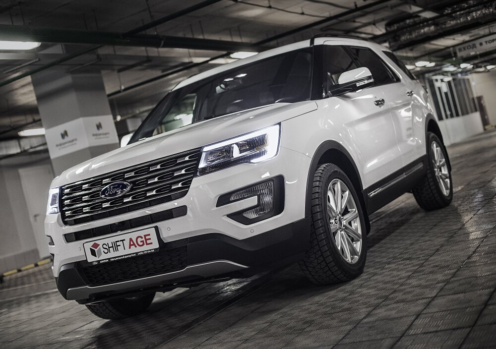 - Ford Explorer Фото №2
