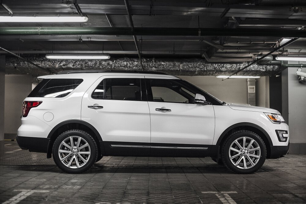 - Ford Explorer Фото №1